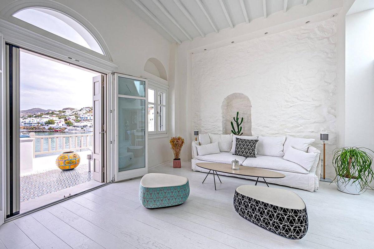 Seaside residence in Mykonos Town